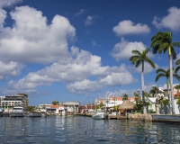 Oranjestad_Surfside4_lcd